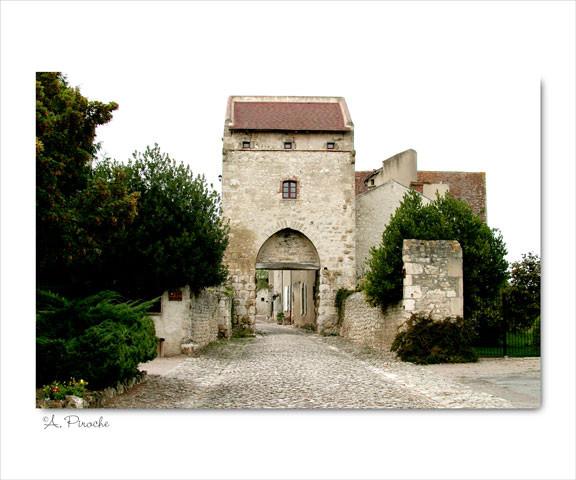 Porte d'Orient - Charroux