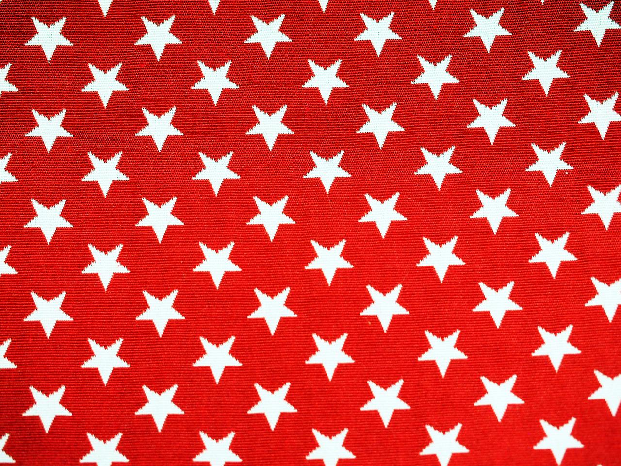 Sterne, weiß auf rot, Stoff Rückseite, Leckerlibeutel, Perlen vor die Hunde
