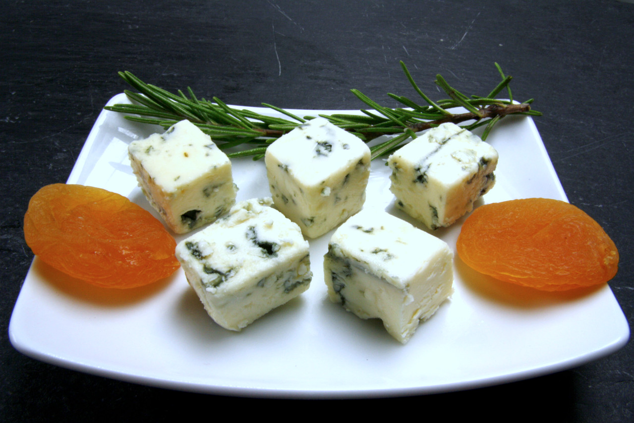 Blauschimmel-Käsewürfel