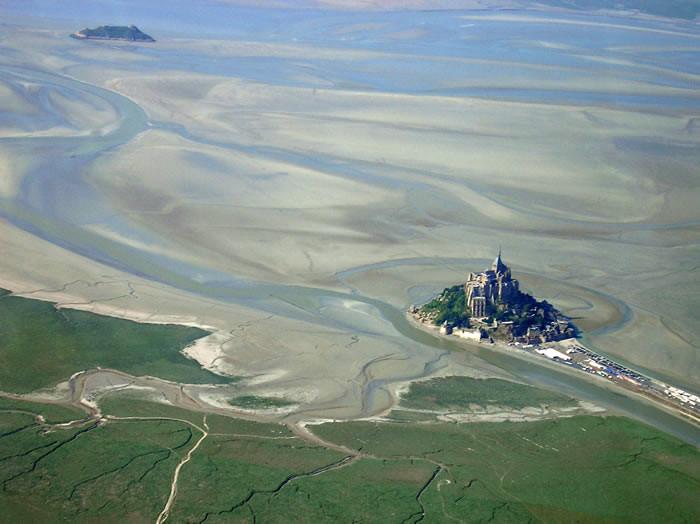 Voler au dessus du Mont Saint Michel