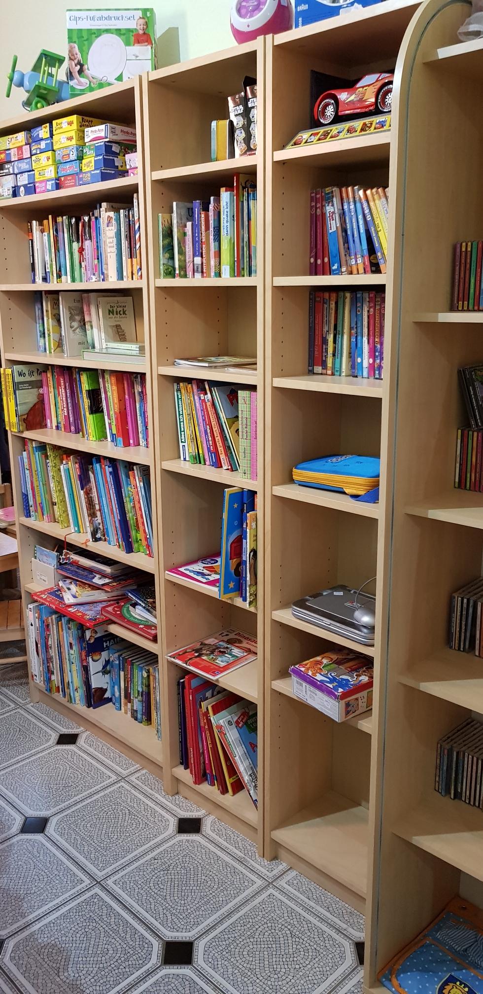 Bücher, CDs und DVDs