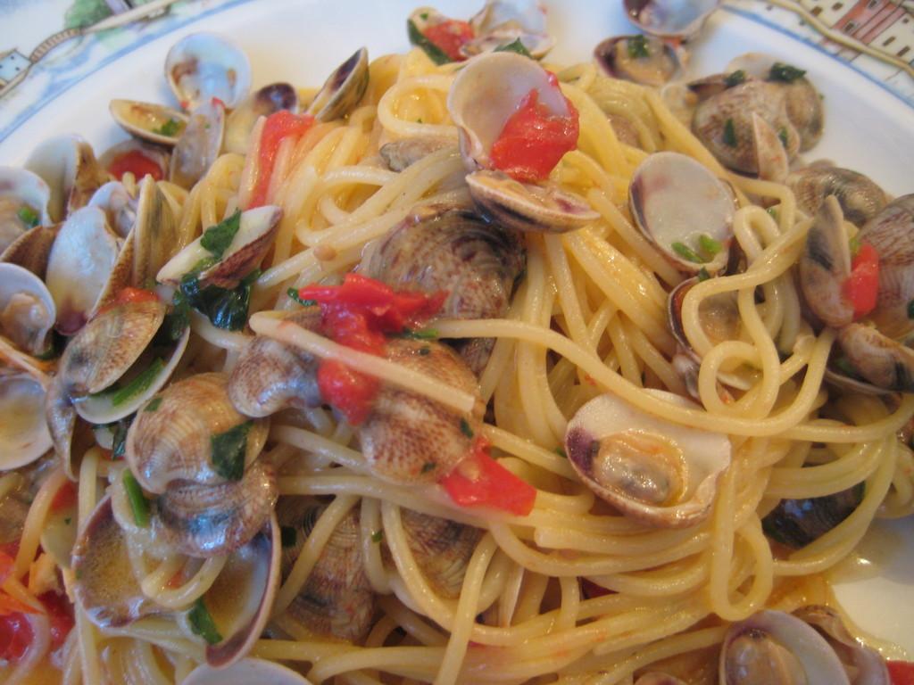 Juicy pasta! Spaghetti alle vongole