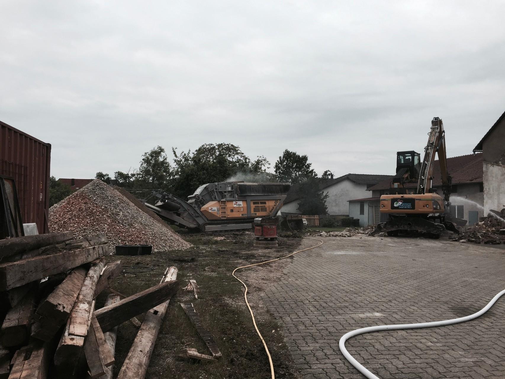Abriss der bestehenden Lagerhalle