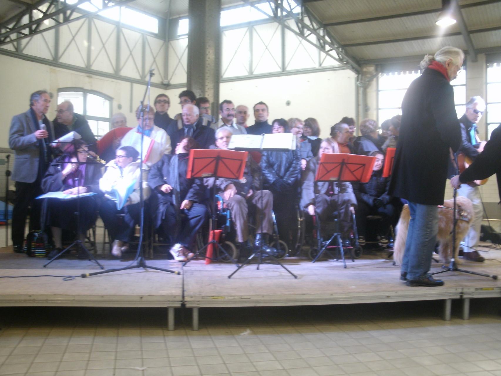 Le 6 Décembre 2015,nous chantons à la Halle Marcadieu,