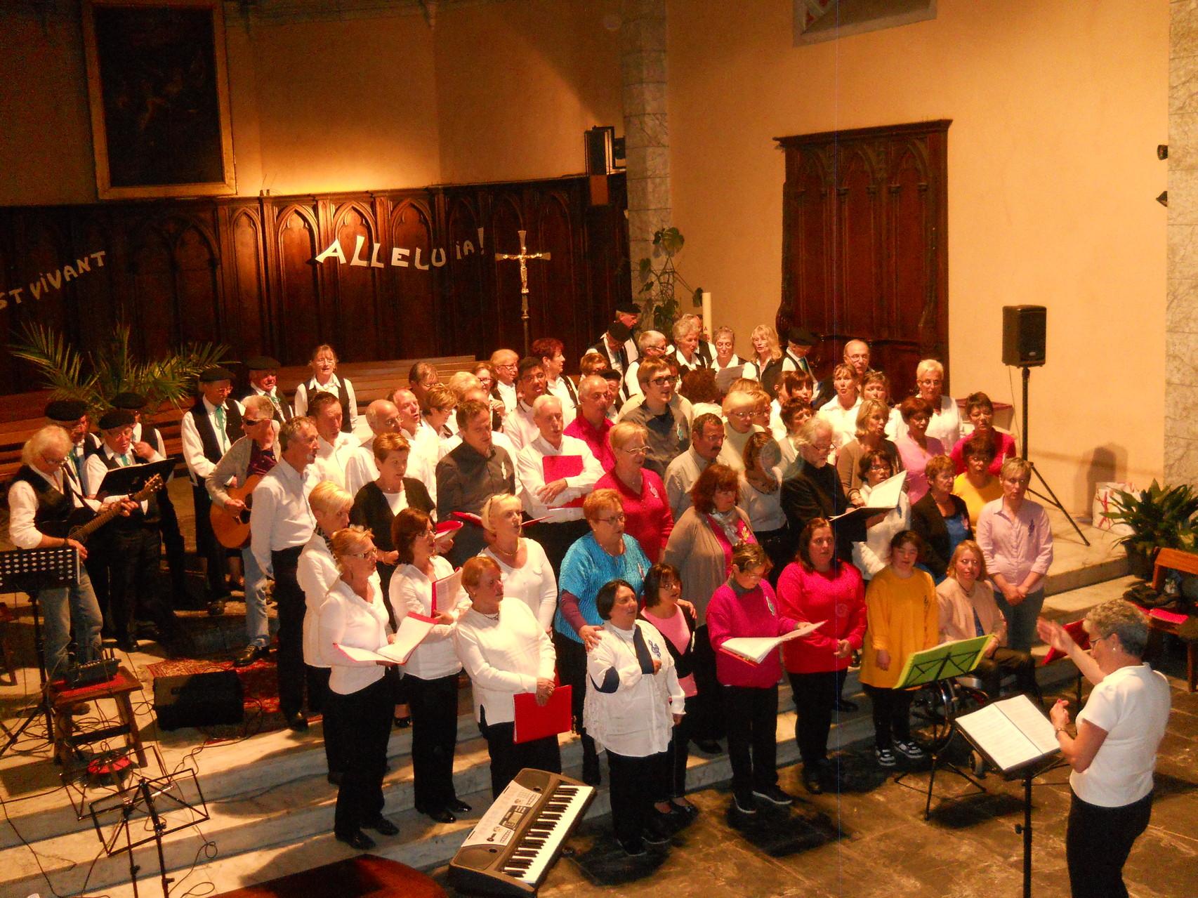 Nous chantons la Balade Nord-Irlandaise avec la chorale de Tostat et de Julos
