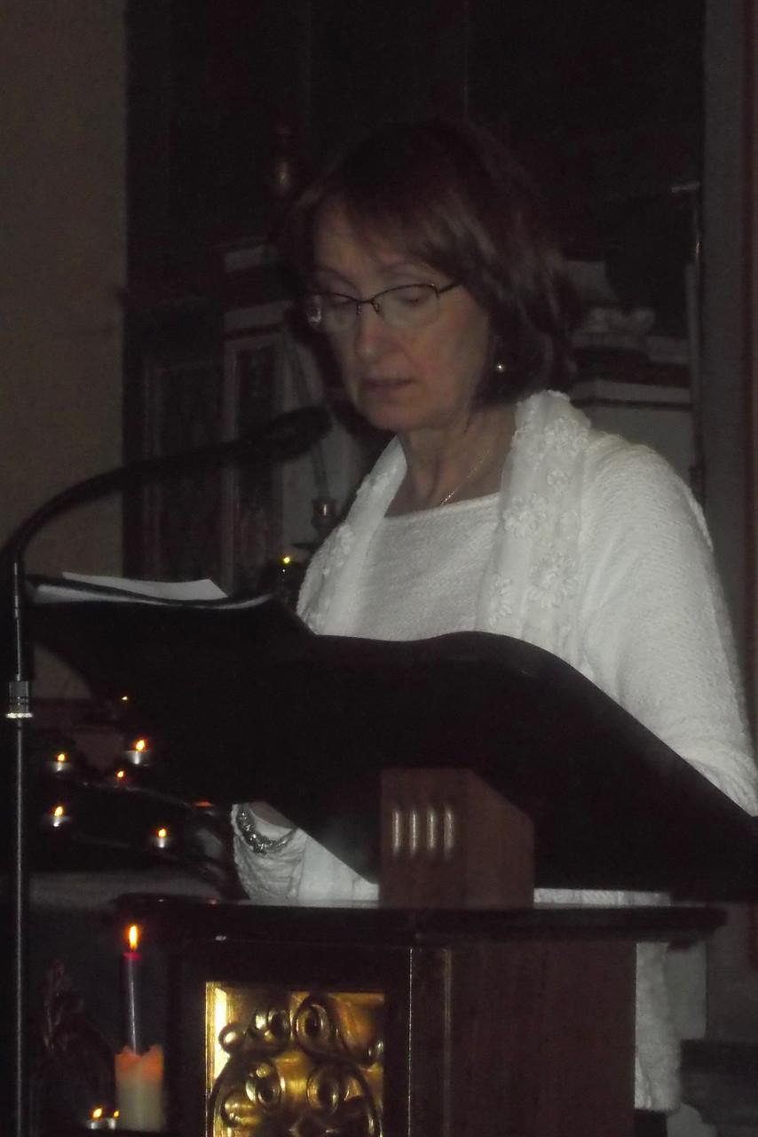 Jeannine lectrice de la bibliothèque de Barbazan Debat