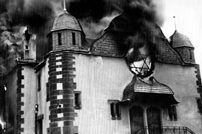 Brennende Synagoge in Siegen, 10.11.1938, Foto: © Wikimedia Commons