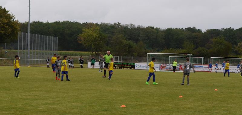 Schiedsrichter Thomas Büqué in Aktion
