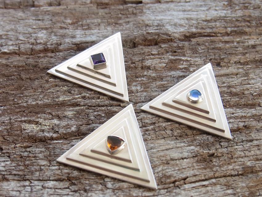 Pyramide Dreieck Schmuck Symbol