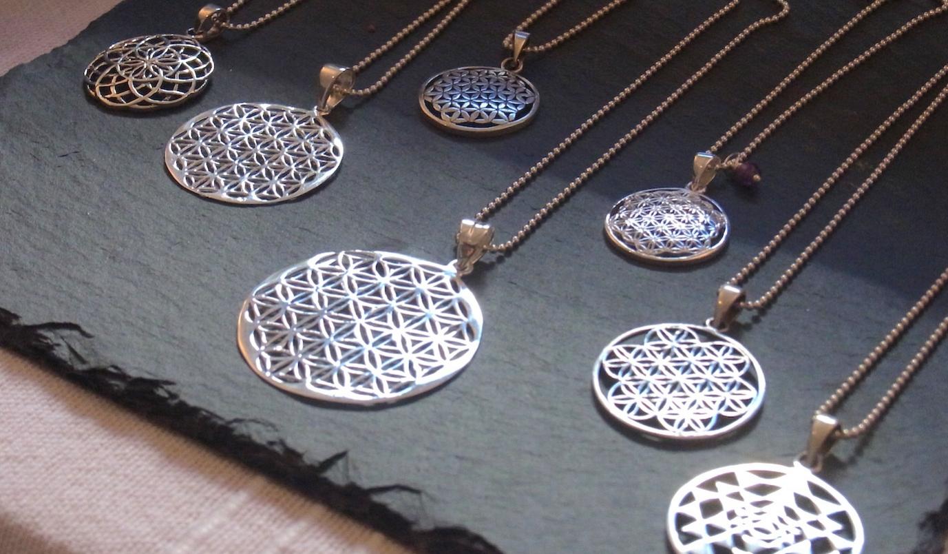 Ketten mit Symbolanhänger Blume des Lebens, Sri Yantra, Baum des Lebens, Spirale aus Silber und vergoldet