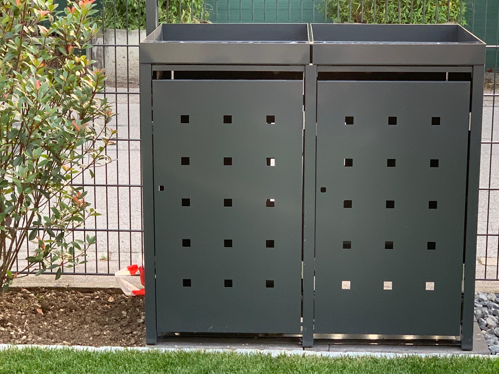 """2er Mülltonnenbox metall mit farblichen Pflanzdach und Stanzung """"ST 3/5"""""""