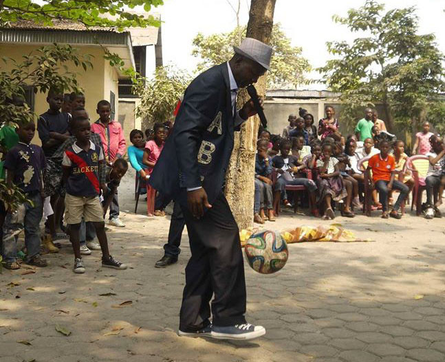 Jonglage Alphabet Africa au Festival avec Wabotaï !