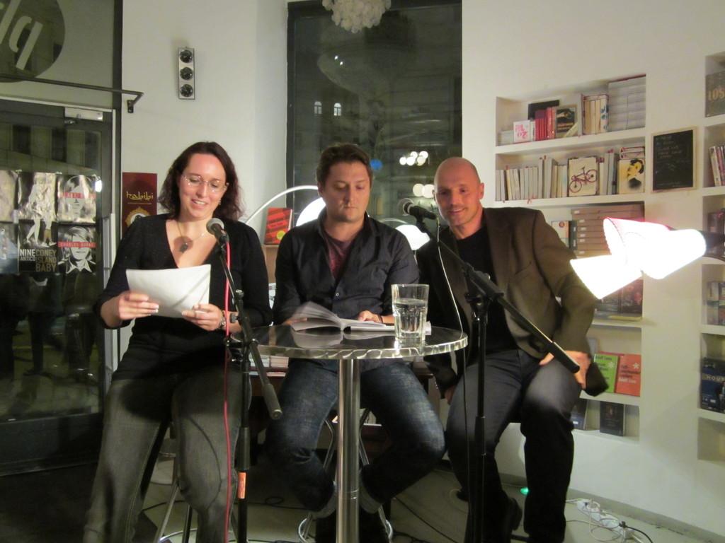 In kleinen Gruppen präsentierten die 13 Teilnehmer der Leondinger Akademie für Literatur 2010/2011 ihre Texte.