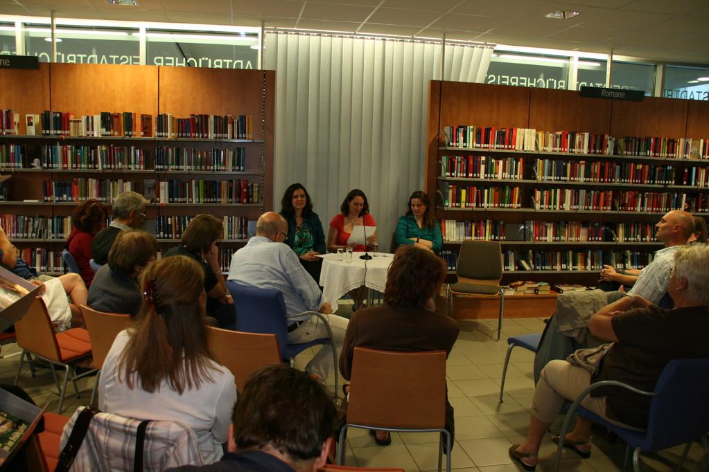 Lesung der Akademieteilnehmer in der Stadtbücherei Leonding