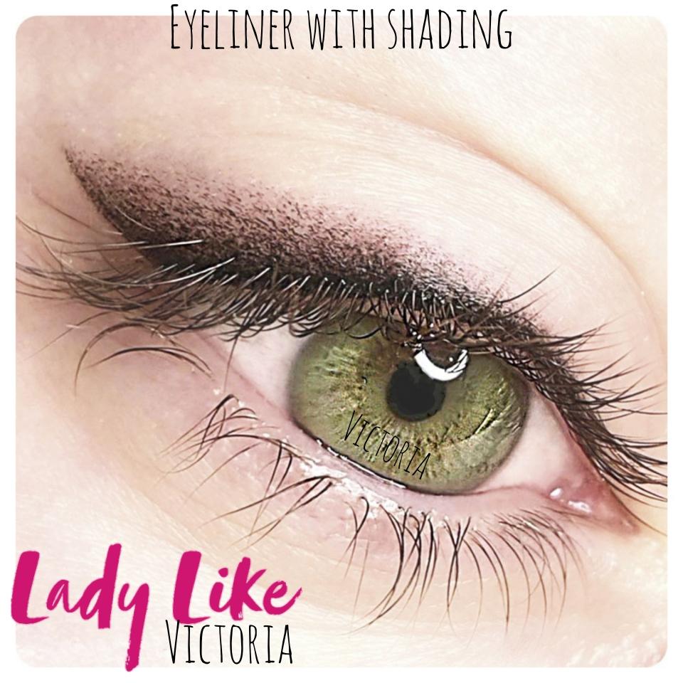 Lidstrich-Permanent-Makeup mit Anschattierung