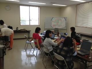 アンケート入力作業 障害児学級親の会OB会すてっぷの皆にアンケート入力を連日、手伝ってもらいました。