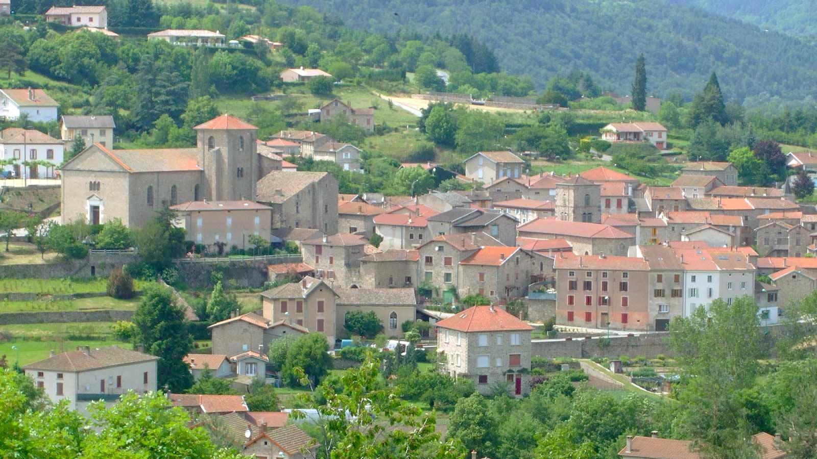 À côté du beau village de Désaignes