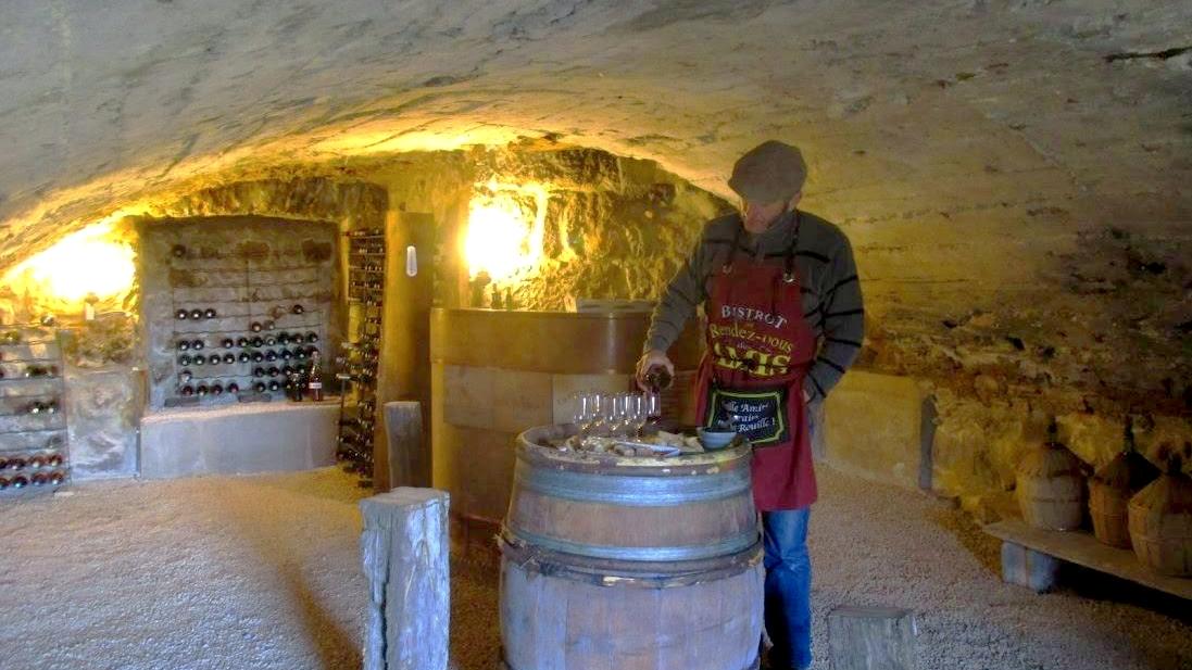 Dégustation de vins dans la cave