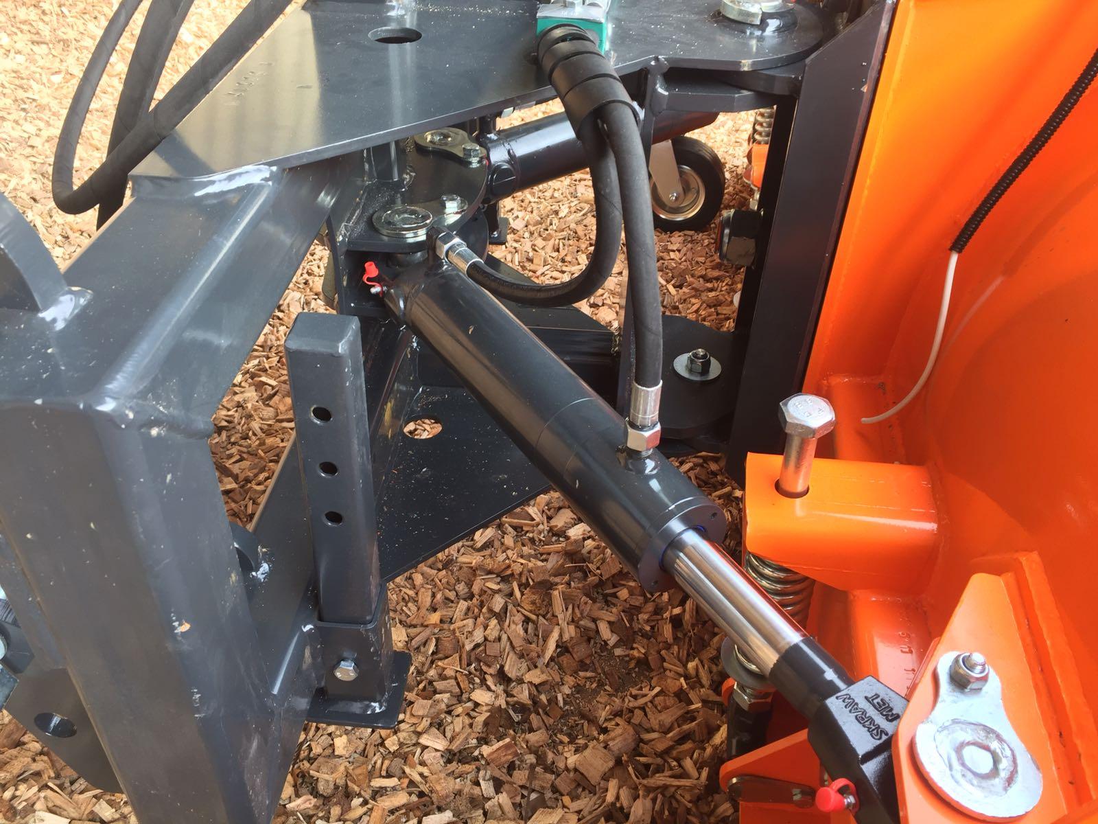 schräg hydraulisch verstellbar ( doppelzylinder)