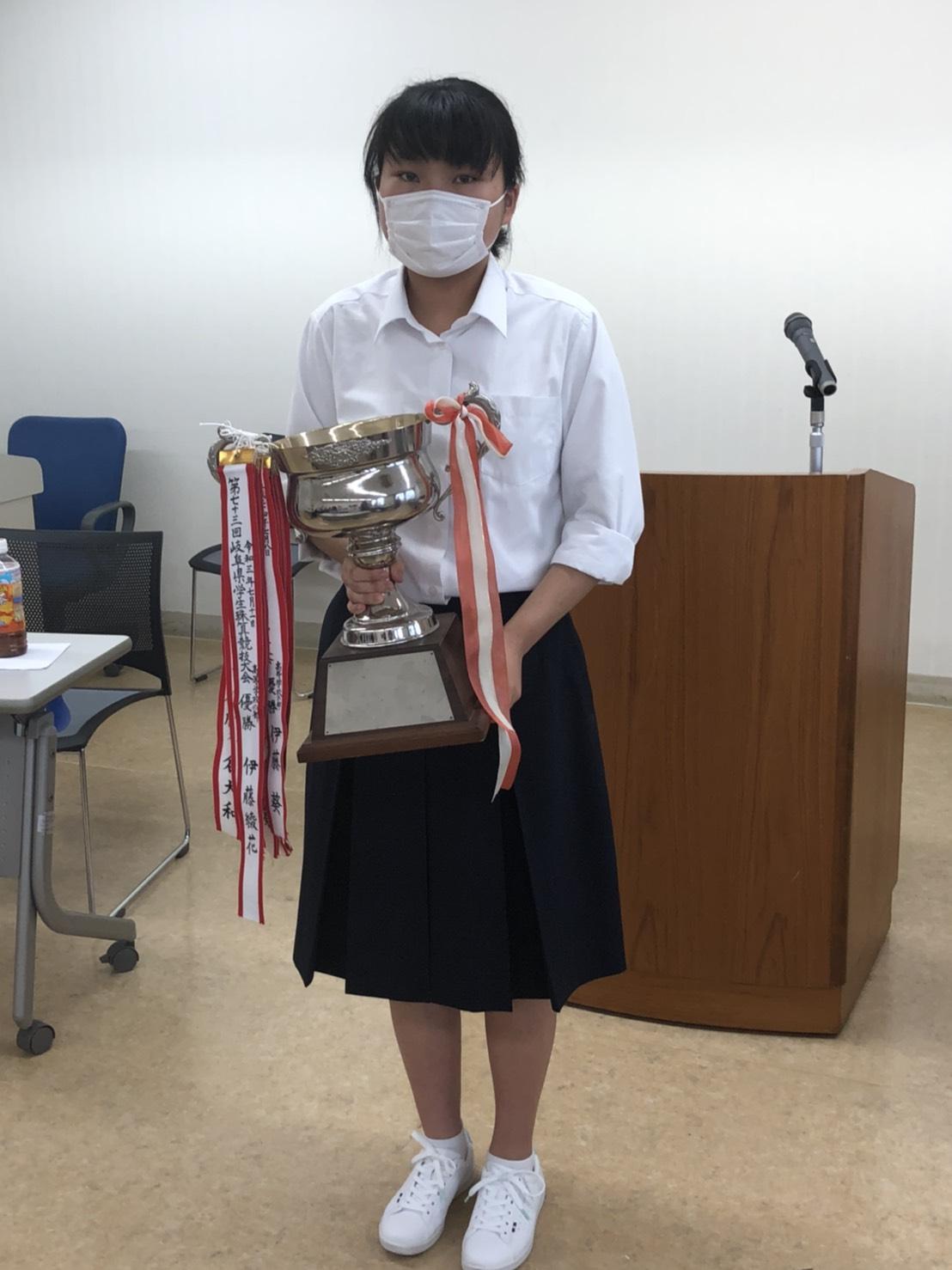 表彰の様子 高校生の部優勝