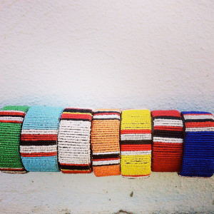 Stand together Maasai Armreif aus Kenia , maasai jewerly , fairfashion , jewerly, bracelets, maasaijewelry, handmade, colorful, traditional maasai,