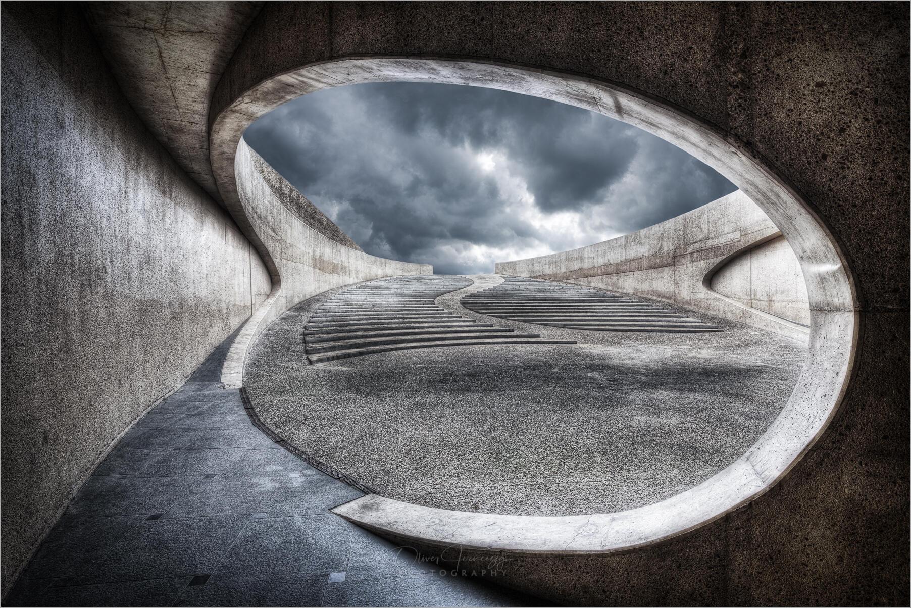 """Die futuristische """"Brug van Vroenhoven"""" in Riemst, Belgien    © Oliver Jerneizig"""