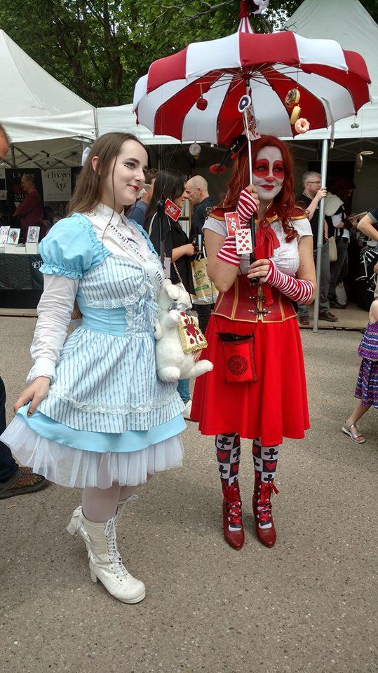 Hélas, Alice, c'est là qu'est l'os, rencontra la Dame de Cœur !