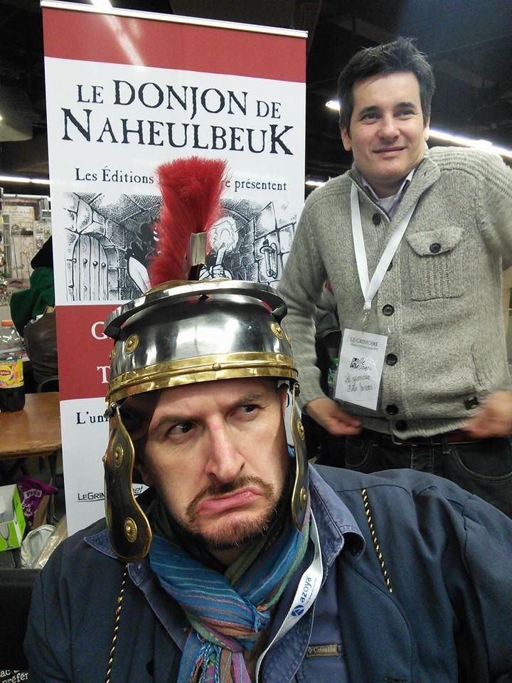 Captain Fab porte bien le casque