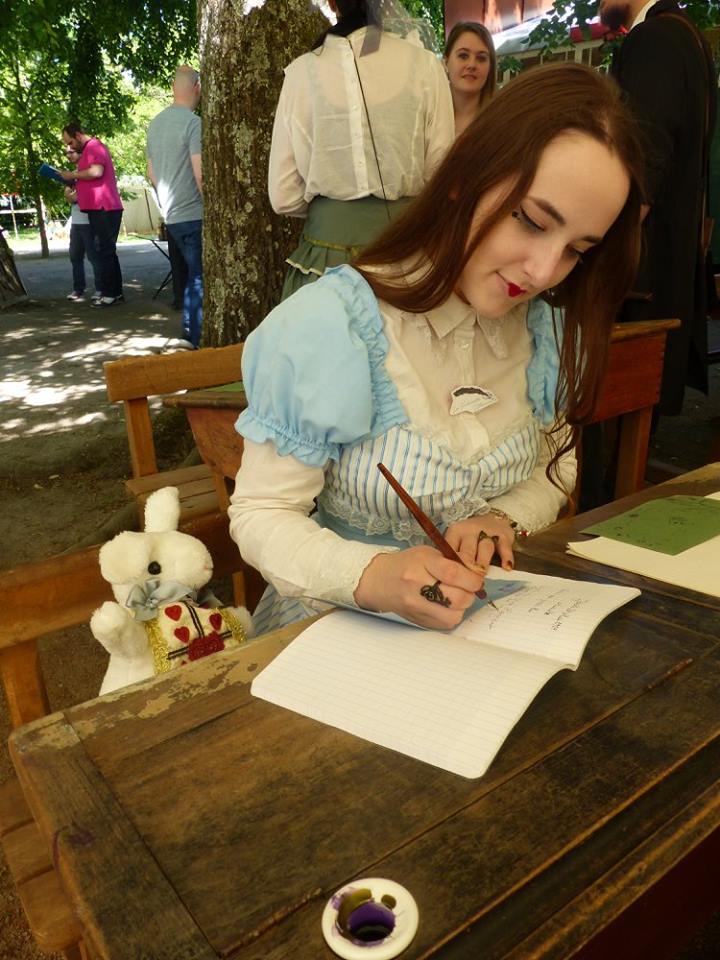 S'agissant de son premier Festival, Alice prit des notes.