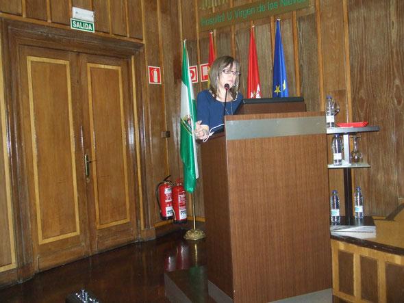 Dra. Espinosa en un momento de su intervención.