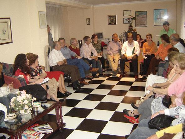 Charla-coloquio con nuestra hepatóloga Dra. Flor Nogueras en nuestra sede. 11 Mayo 2006.