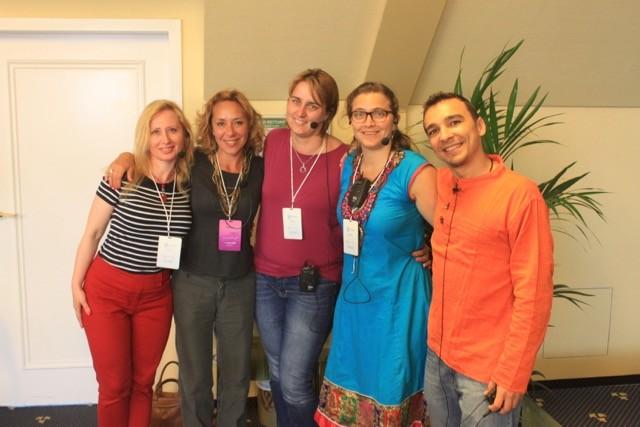 Traductores - Irina, Patrizia, Adriana, Samantha y Ari
