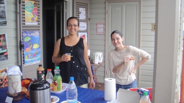 Accueil café avec Isabelle et Laurence (16/04/2011)