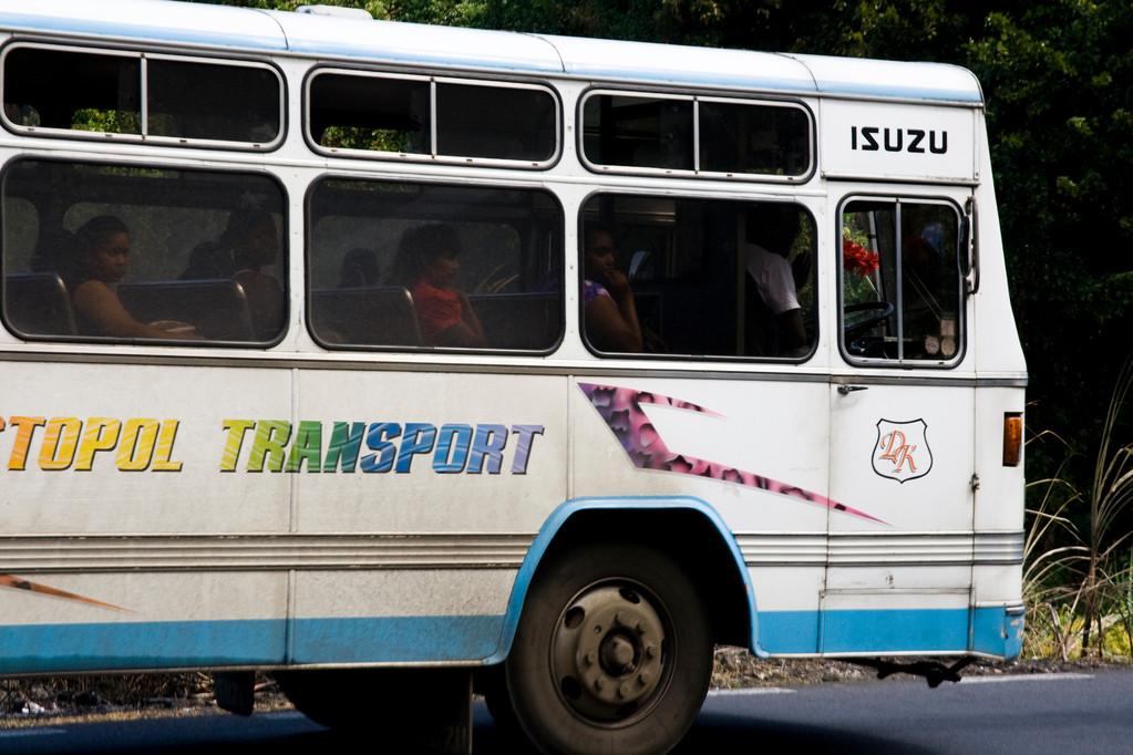 · bus-tour · chemin grenier · yak © 2010 RK