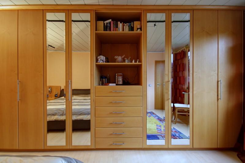 Schlafzimmer · 1.OG · yak © 2012 RK