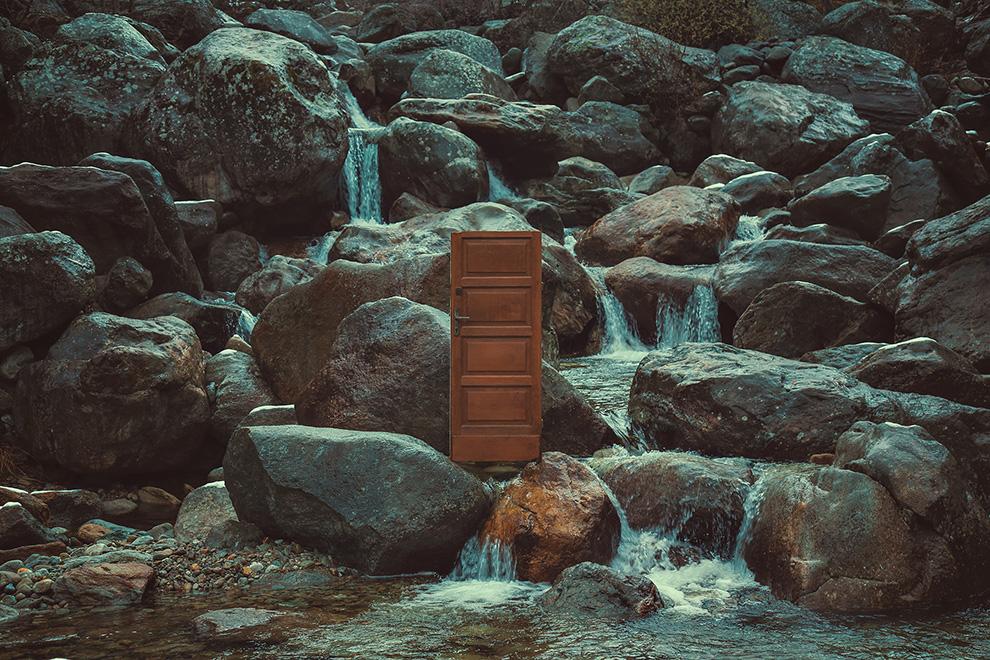 Gate in the stream