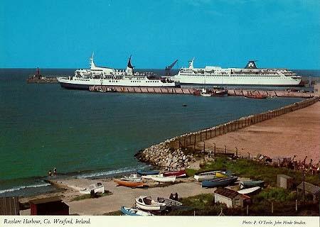 Le M/V innisfallen de B+I Lines au port de Rosslare. Au fond est ammaré le M/V St-Killian 2 entre deux départs vers la France.