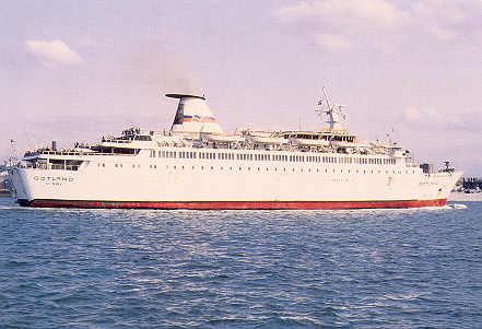 M/V Gotland affrété par Brittany Ferries entrant dans le port de Portsmouth.