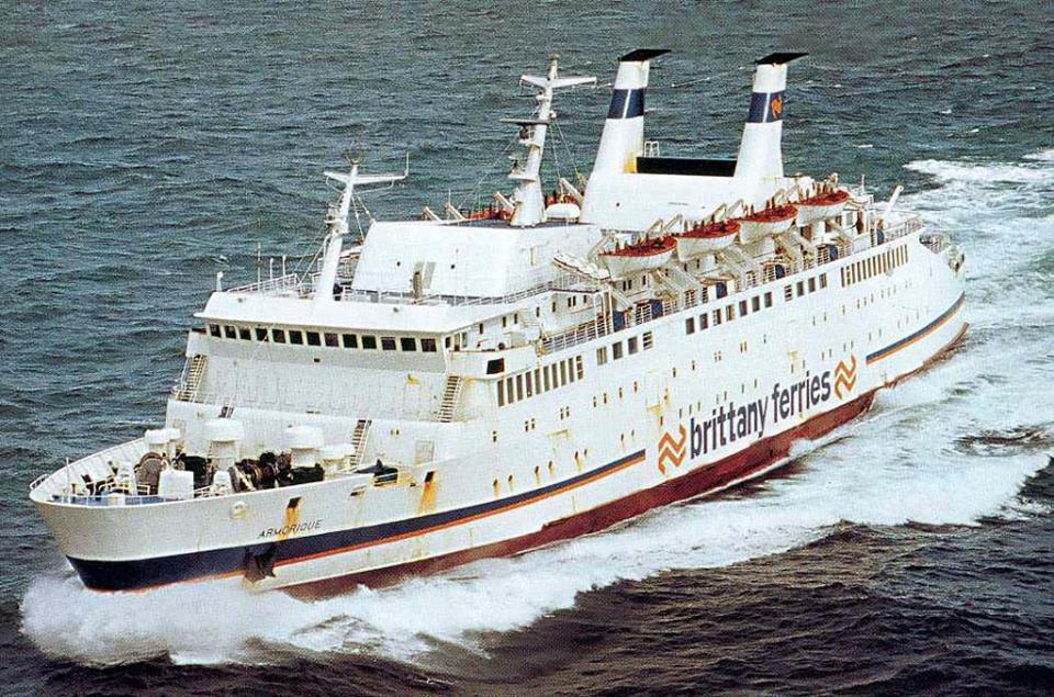 M/V Armorique, le premier ferry qui fut en charge de l'exploitation de la ligne reliant Saint-Malo à Portsmouth de Brittany Ferries.
