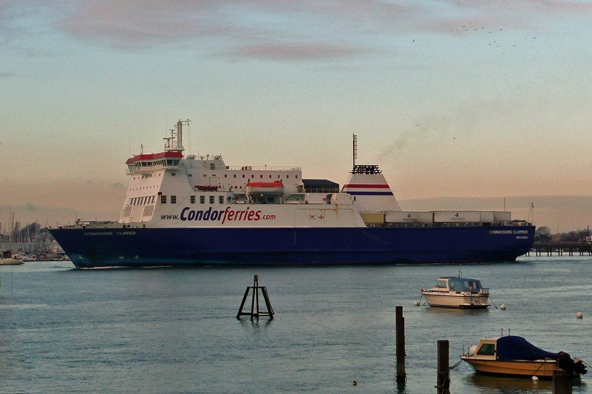 M/V Commodore Clipper quitant Portsmouth, © Ian Boyle