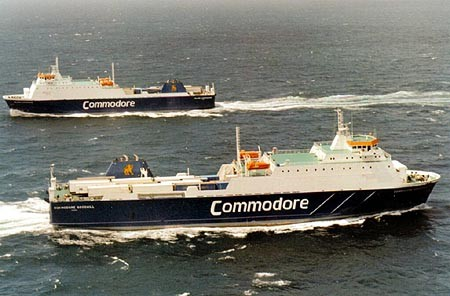 M/V Commodore Goodwill croisant le M/V Island Commodore, © Commodore Shipping, collection www.simplonpc.co.uk