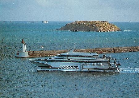 Condor 9 au départ de St-Malo, © Condor Ferries