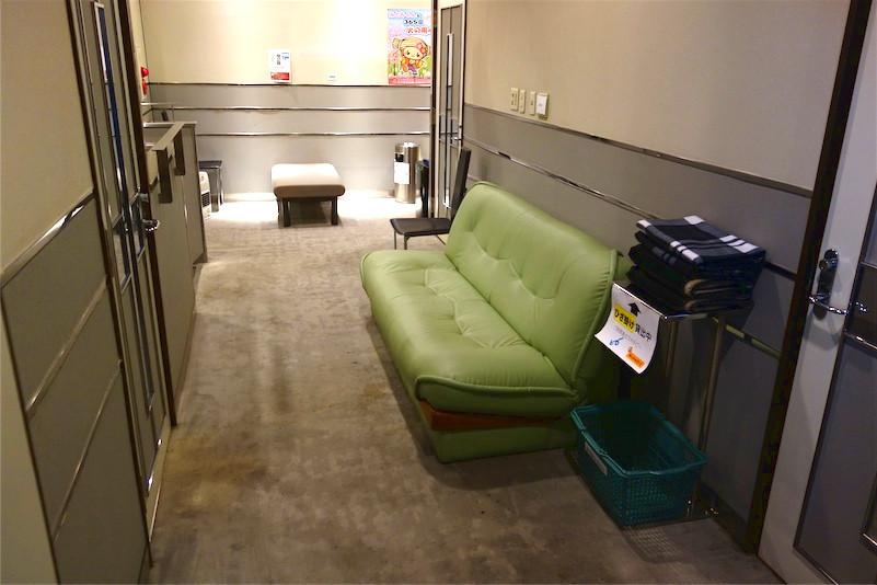 2Fフロアのソファー