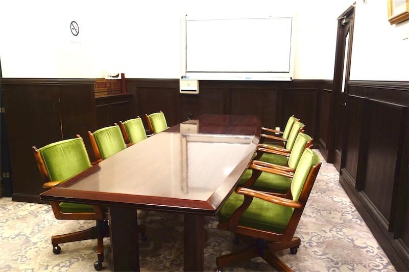 2F中会議室