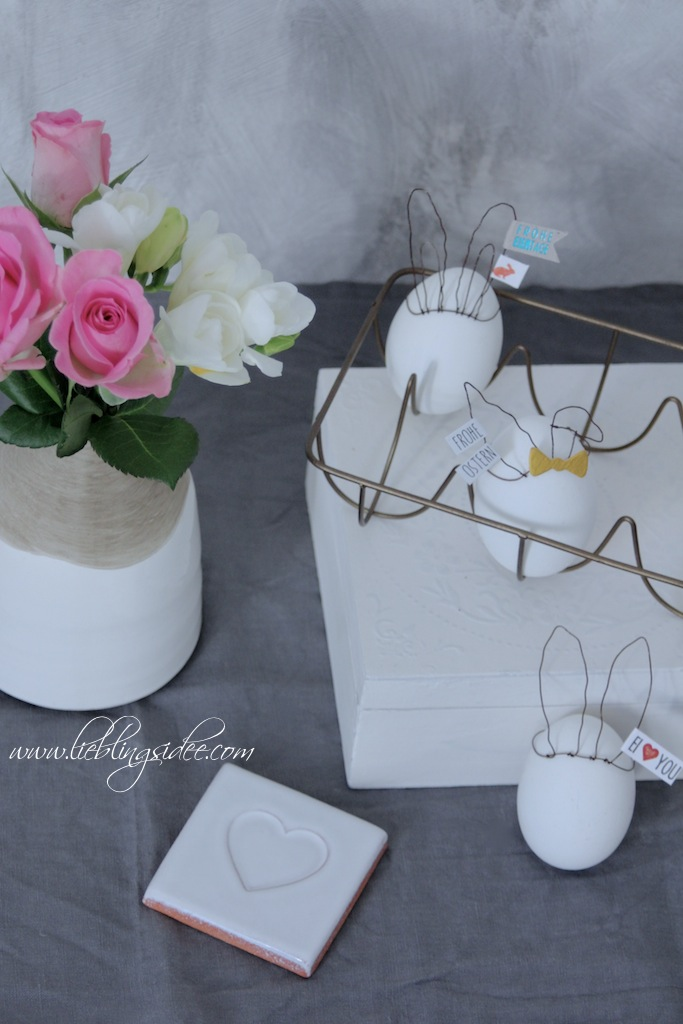 Eierkronen und Madam Stoltz Eierhalter und Vase