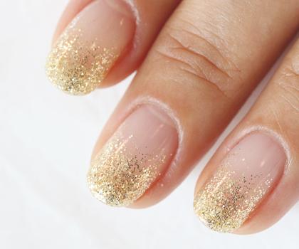 日本人の肌色に似合うゴールドの定番「シャンパンゴールド」