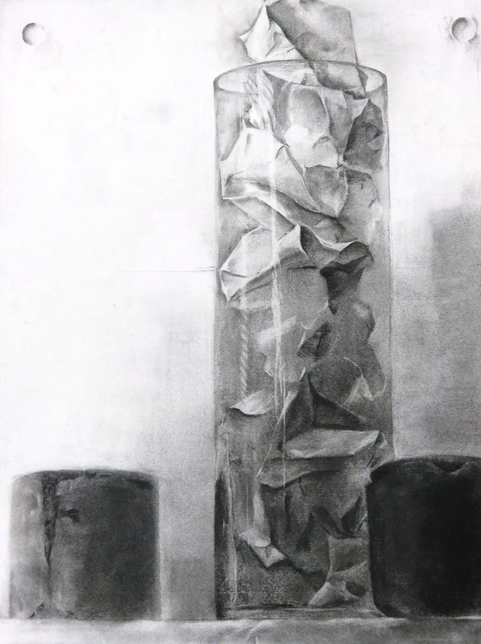 生徒作品35 デッサン<卓上静物> 木炭紙 【油画系】