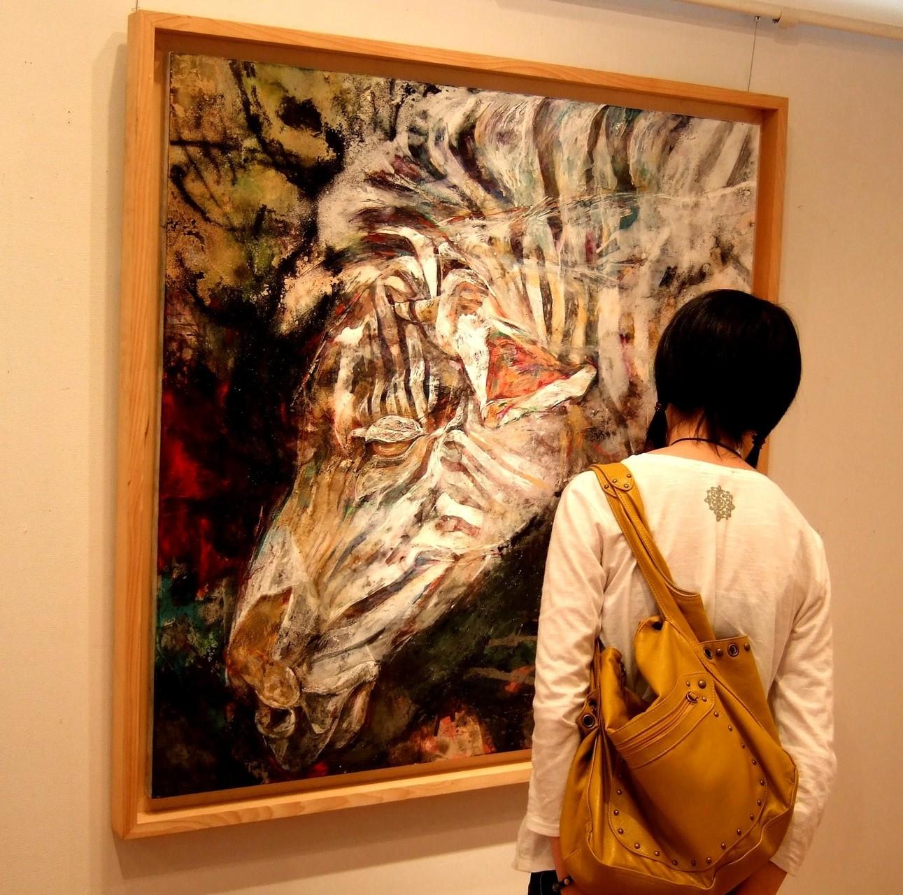 先輩の個展見学Ⅱ「間近でマチエールの魅力を体感する」