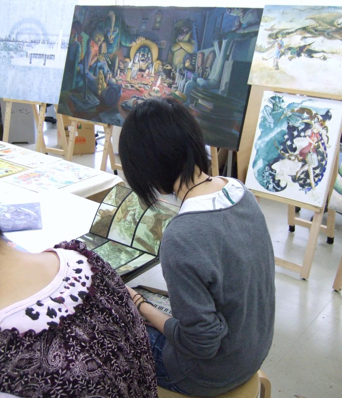 成安造形大学(滋賀県)のイラストレーション領域の卒業制作を鑑賞