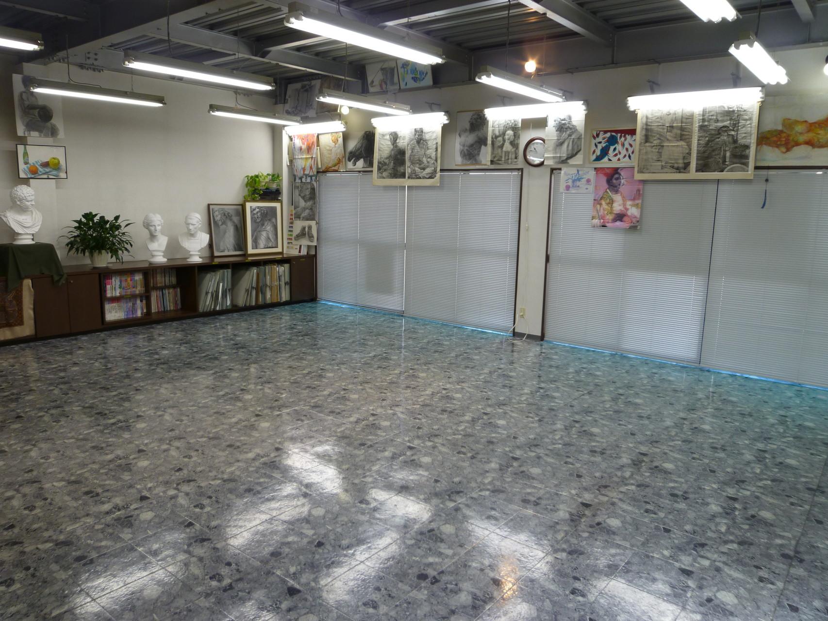 教室の内観1<第1制作室>